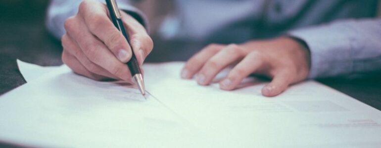 Hợp đồng ngoại thương bản chất là hợp đồng mua bán hàng hóa.