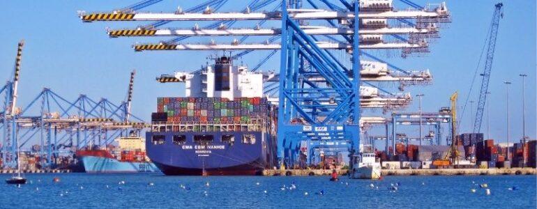 """Hiểu đúng về XNK - Logistics là tiền đề để bạn trả lời câu hỏi: """"Học xuất nhập khẩu bắt đầu từ đâu?"""""""