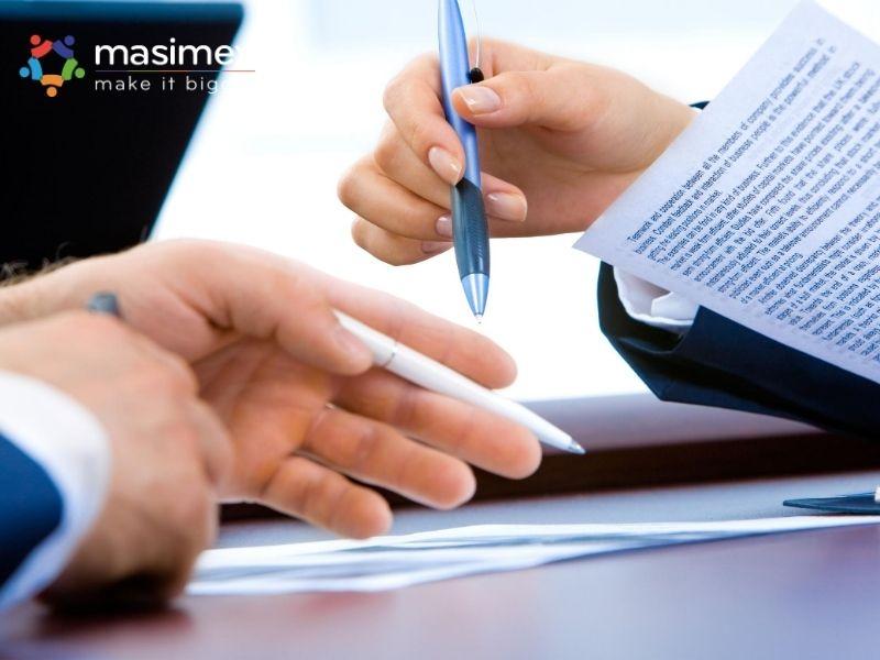 Với phương thức thanh toán CAD, ngân hàng sẽ giữ tiền của người Nhập khẩu và chỉ thanh toán khi người Xuất khẩu trình đầy đủ chứng từ