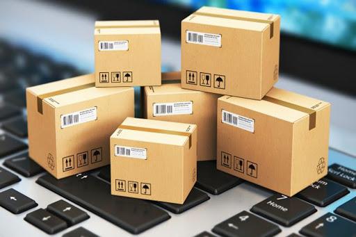 Khi hàng không đủ để đóng nguyên một container, mà cần ghép chung với một số lô hàng khác, đó là LCL