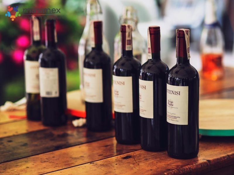 Rượu bia - một trong những nhóm sản phẩm nằm trong diện chịu thuế TTĐB trong biểu thuế phí hàng xuất nhập khẩu