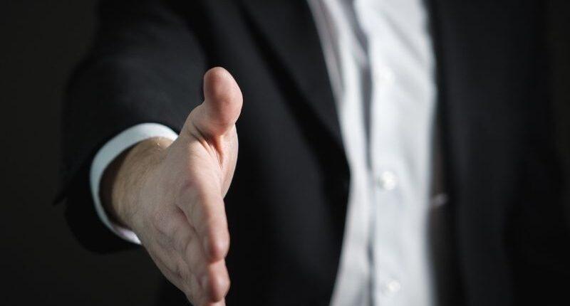 Học kinh doanh xuất nhập khẩu ra làm gì? - Sales là điểm khởi đầu của đa số mọi người